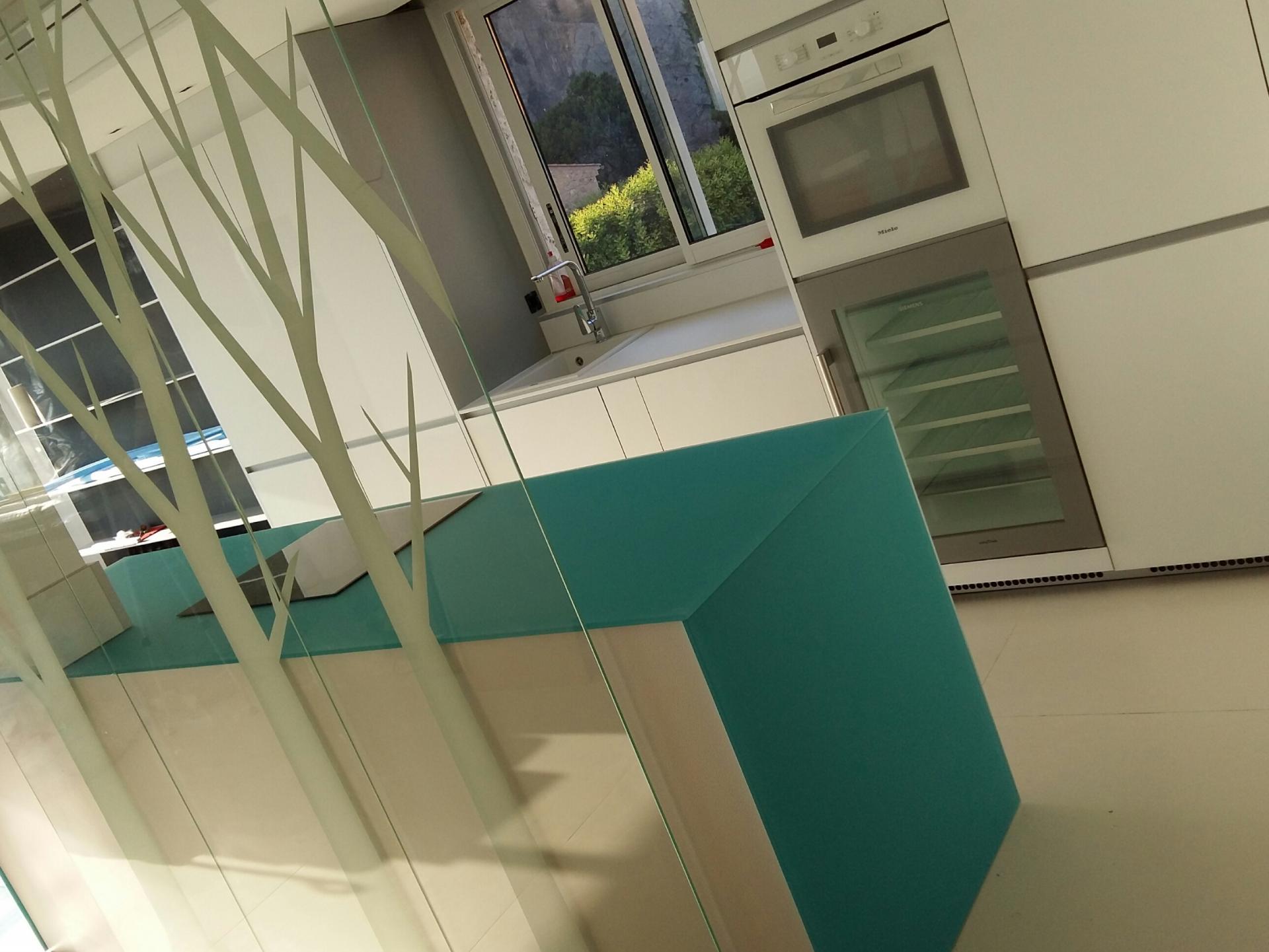 Valcucine dans l appartement de luxe à Nice :le bleu azur